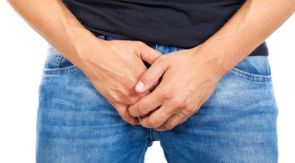 cu o erecție, penisul a devenit mai mic decât era